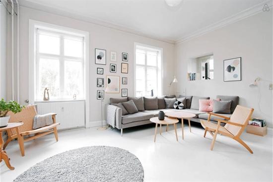 18 m2 rum i Stockholm Vasastaden uthyres
